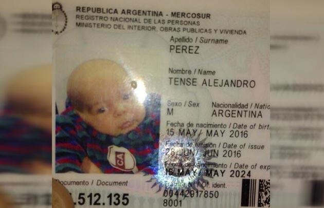 Bautizaron Tense Alejandro a un niño por el fanatismo por Platense