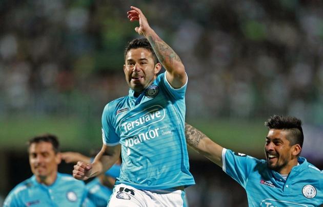 Bieler abrió el marcador para Belgrano con un golazo.