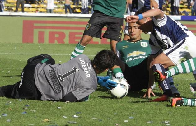 Hilario Navarro fue la figura del empate entre Talleres y Banfield.