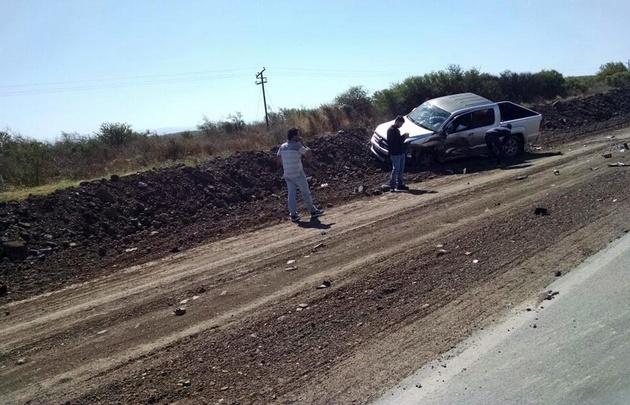 Una camioneta y un auto chocaron en la Ruta 9 norte.