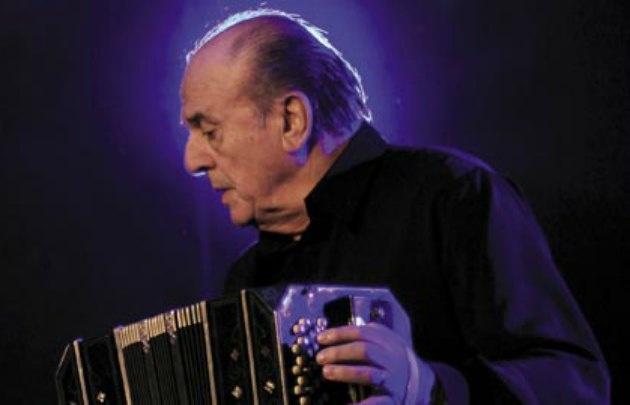 Garello era director de la Orquesta del Tango de la Ciudad de Buenos Aires.