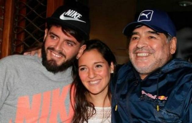 Diego Jr. y Jana son los últimos hijos reconocidos de Maradona.