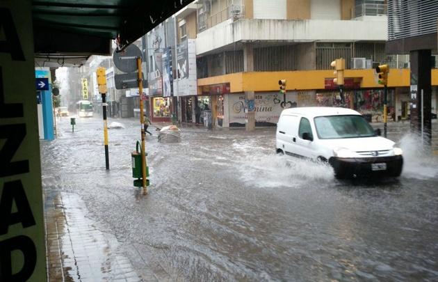 Rige una alerta por tormentas intensas para Córdoba y centro del país.