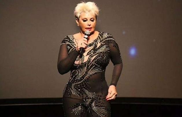 Carmen Barbieri llega esta noche a Mina Clavero.