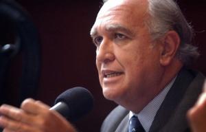 Ricardo Gil Lavedra condenó los dichos de Bonafini.