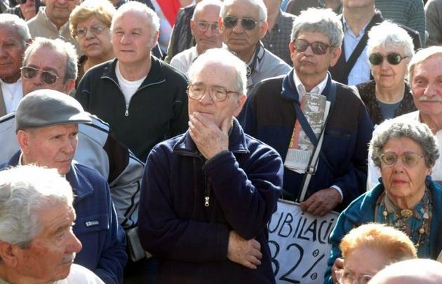 Cuestionan que hay más jubilados de los que deberían que pagan ganancias en Córdoba.