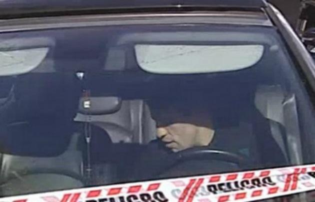 El conductor que chocó al móvil de televisión.