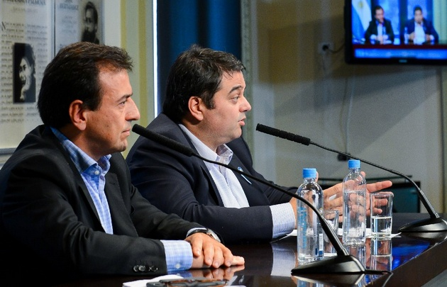 Mario Quintana y Jorge Triaca, en conferencia de prensa.