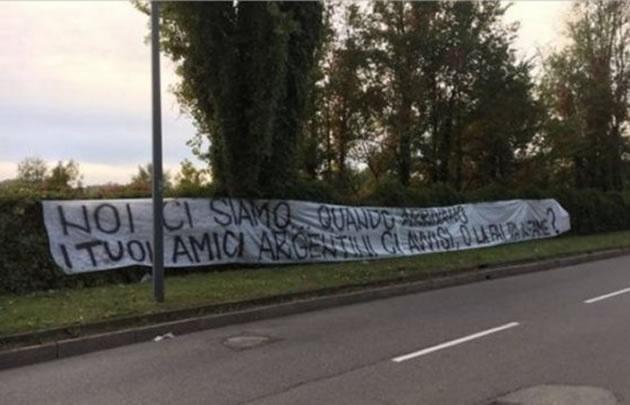 Amenazan a Icardi con una bandera frente a su casa