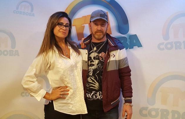 Rolo y Gaby Tessio en el estudio de FM Córdoba