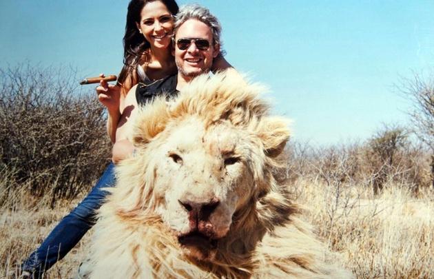 Matías Garfunkel y Victoria Vanucci de cacería por África