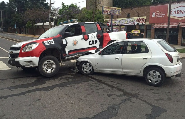 Cuatro heridos en un accidente en Recta Martinolli.