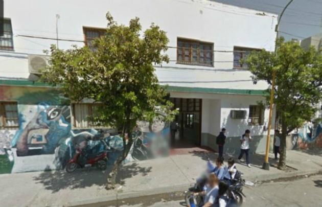 """La agresión ocurrió en el colegio de Comercio 5.091 """"Profesor Julio Cortés""""."""