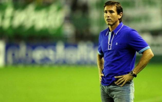 El ex técnico de las inferiores de Racing, Claudio Úbeda, asumió en la Sub 20.