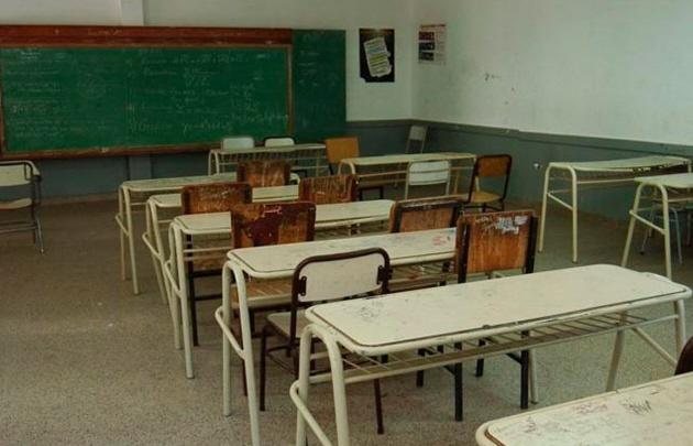 Los padres exigen que sus hijos vayan a clases.