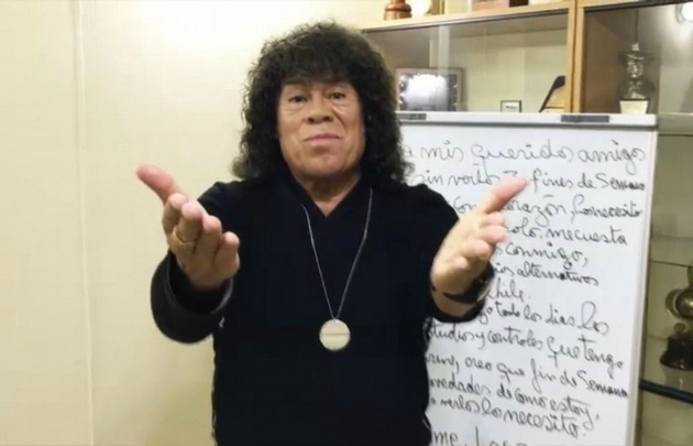 Carlitos Jiménez volvió a comunicarse con sus seguidores a través de un video.