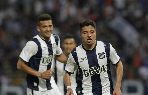 Ramis y Palacios celebran el gol del triunfo albiazul.