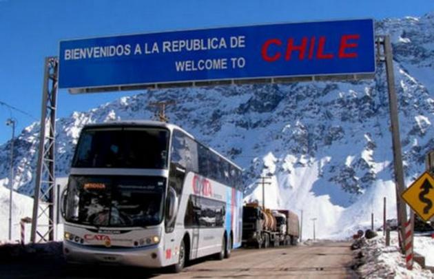 Paro aduanero complicaría el paso a Chile el fin de semana.