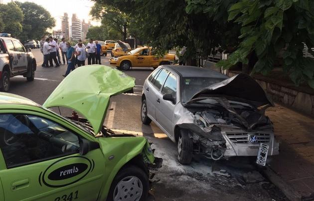 Los tres conductores fueron trasladados con heridas leves al Hospital de Urgencias.