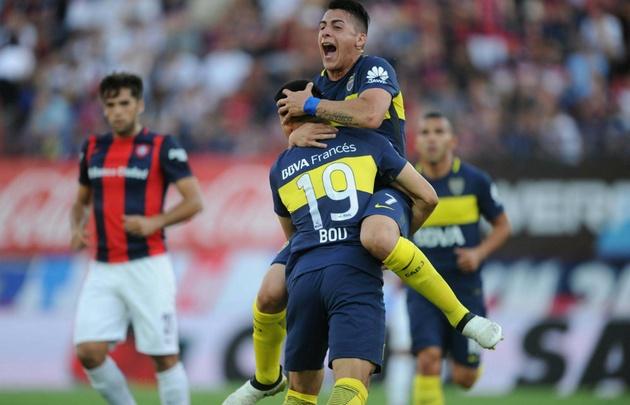Boca superó a San Lorenzo en el Nuevo Gasómetro.