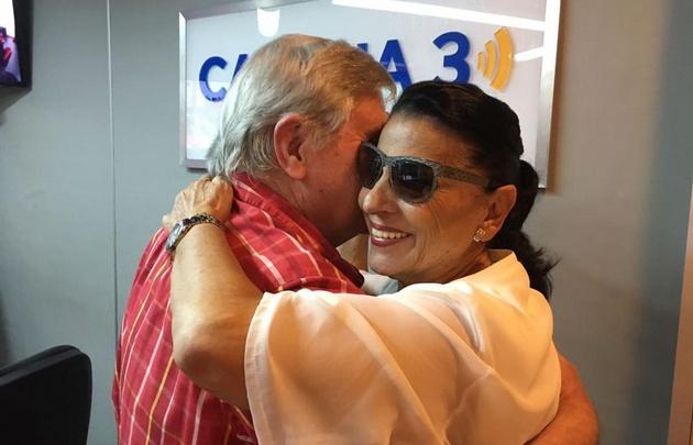 Rony Vargas y Carmen Flores se animaron a tirar unos pasos.