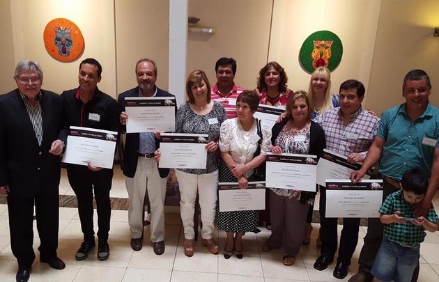 Rony premió a los 10 ganadores de Aquellos que Aman.