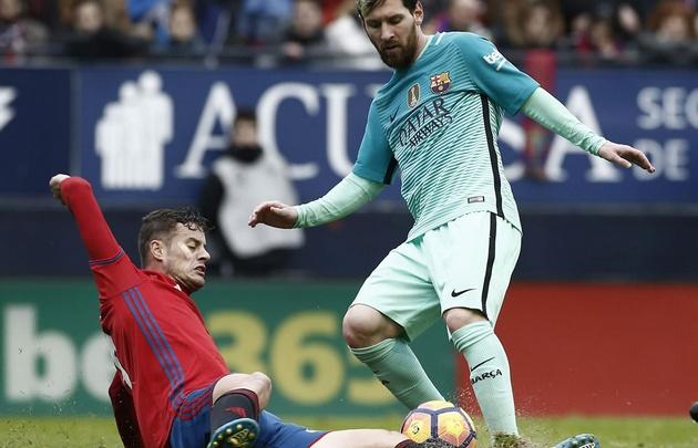 Messi convirtió a sus rivales ''en estatuas de cemento''.