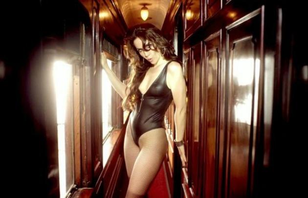 Natalia Oreiro, super sensual en Corazón Valiente.