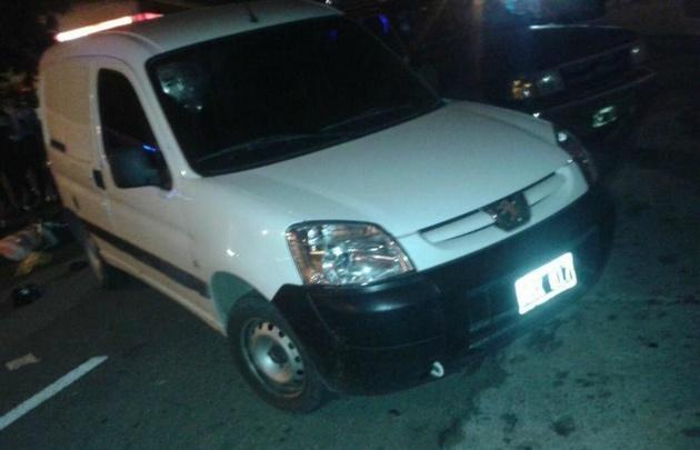 La Fiscalía sostiene que fue detenido cuando dejaban esta Peugeot Partner.