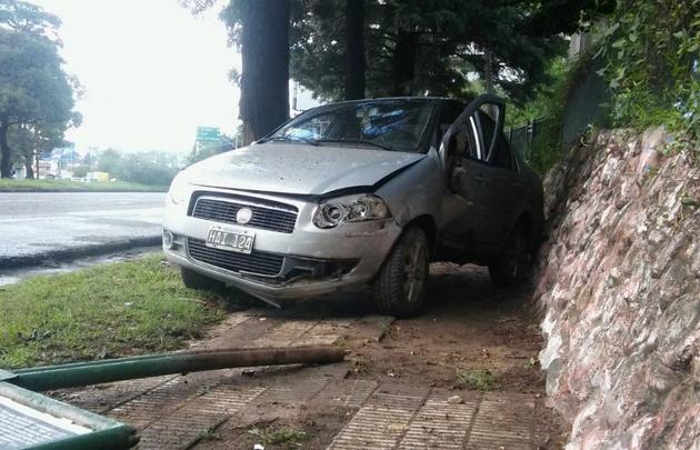 Así quedó el auto tras el choque.