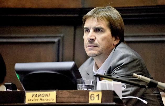 Javier Faroni preocupado por la cantidad de  shows gratuitos en Mar del Plata.
