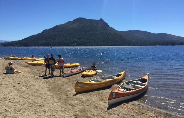 Una increíble travesía en kayak por el Lago Gutiérrez.