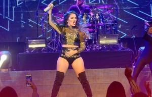 Una multitud disfrutó del show de la popular cantante de pop juvenil.