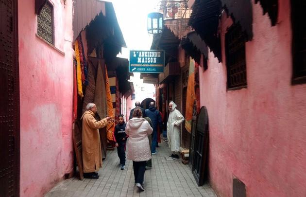 A las 10 abren los locales en la Medina.