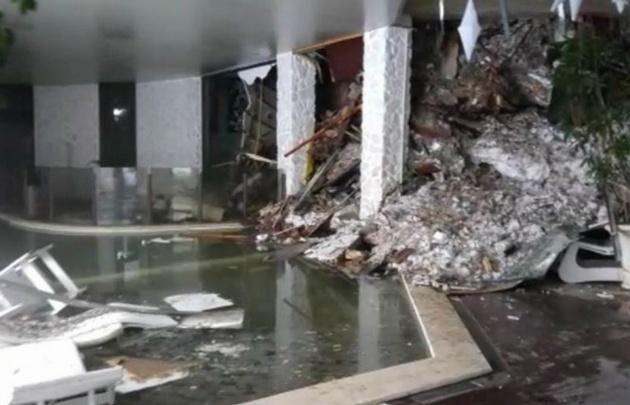 120.000 toneladas de nieve y rocas golpearon las instalaciones del hotel.
