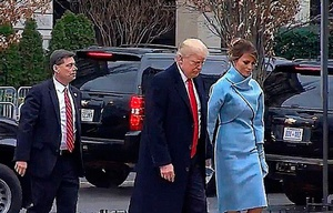 Trump llega a la Casa Blanca para tomar el té con Obama.