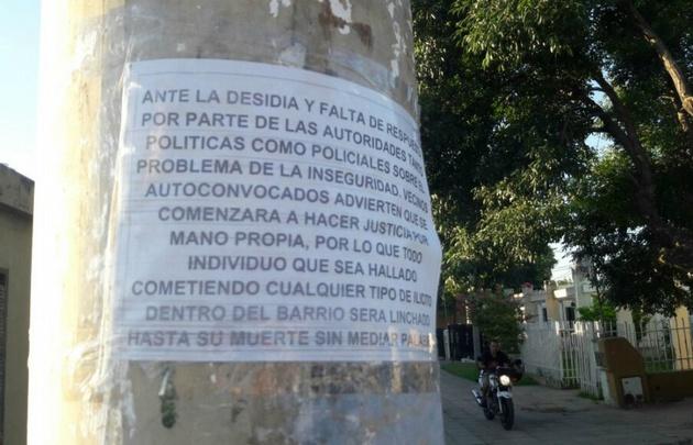 Los carteles que pegaron los vecinos de General Savio.