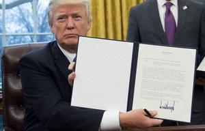Trump decretó la salida de Estados Unidos del Acuerdo de Asociación Transpacífico.
