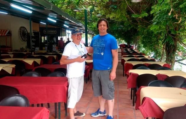 Orlando Morales relevó los precios de la comida en Mina Clavero