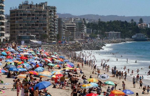Los turistas argentinos invaden Chile para aprovechar un tipo de cambio favorable.
