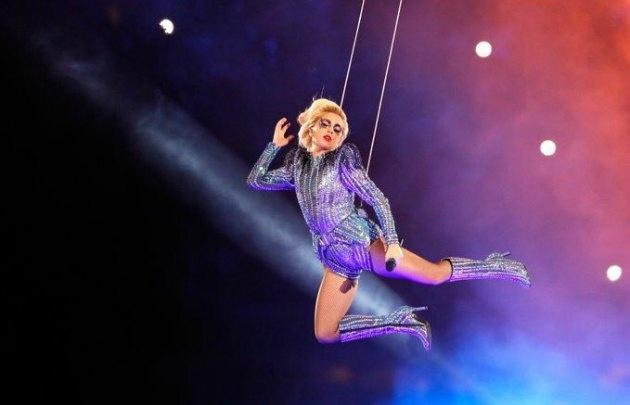 Lady Gaga brilló en el entretiempo de la final del Super Bowl.