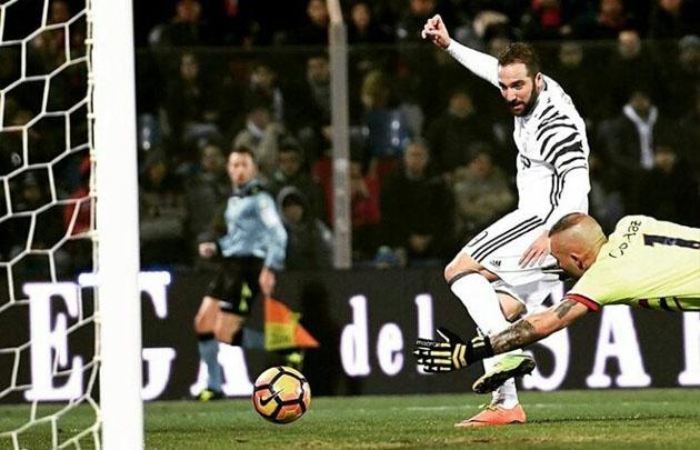 ''El Pipita'' sigue derecho, convirtió y Juventus sigue imparable.