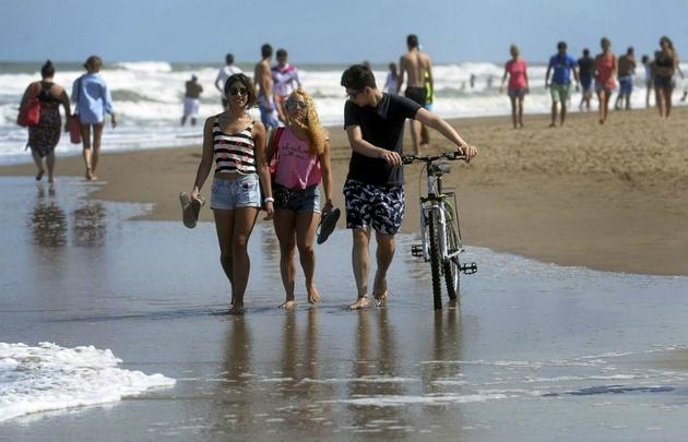 Mar del Plata, repleto de turistas este fin de semana.