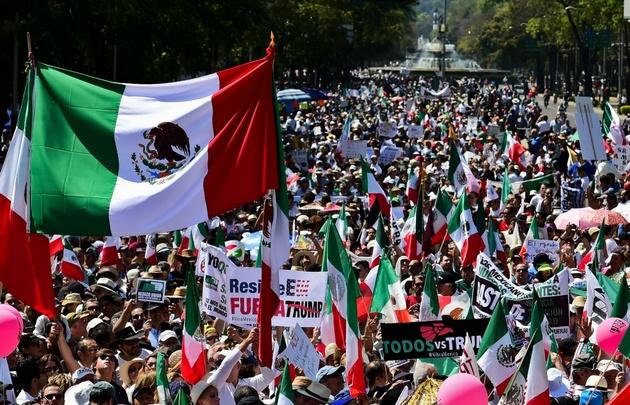 Las organizaciones marcharon bajo la consigna #VibraMéxico.