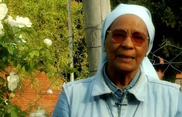 La Hermana Theresa Varela dirige la Fundación Misión Esperanza desde 1996.