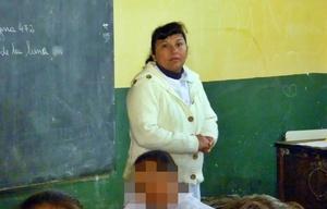 Mónica Machuca, una de las docentes agredida