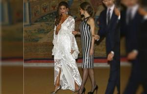 Juliana Awada lució muy sexy en la recepción a los reyes de España en Madrid.