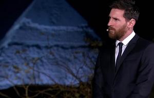 Messi se niega a hablar en ingles en una entrevista en Egipto