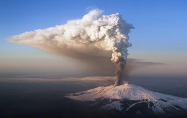 La actividad en el nuevo cráter sudeste comenzó a registrarse el 23 de enero pasado.