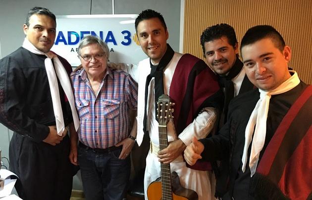 Los Serenateros de Salta visitaron Viva la Radio.